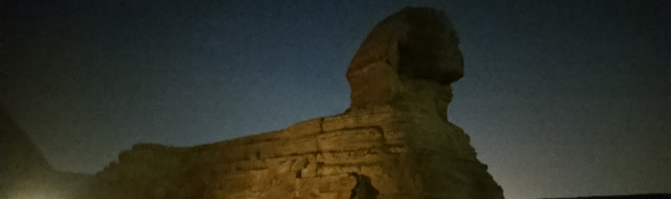 Sphinx bei Nacht