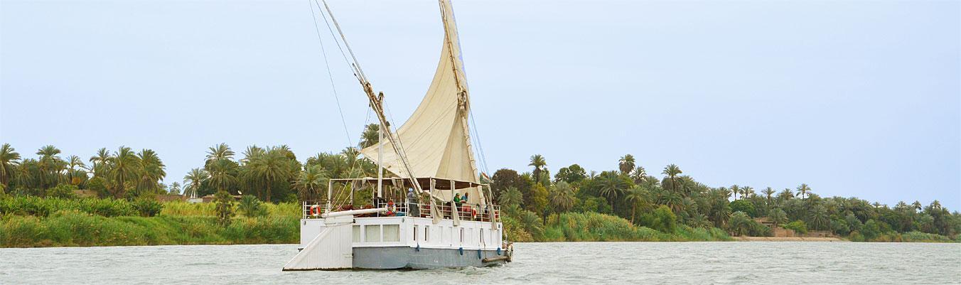 Segelkreuzfahrten auf dem Nil im komfortablen Großsegler